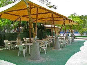 custom-guadua-bamboo-structure_9b